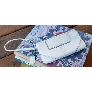 Coach White Leather Wristlet Clutch Wallet